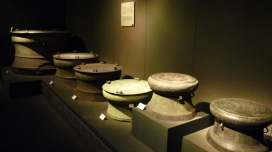 shanghai-museum-bronze-gallery-drums-cit (1)